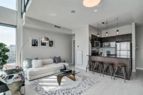150 East Liberty Street Suite 1013 Liberty Village Toronto - Living room