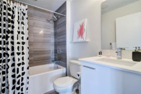 630 Queen St E 610 - master ensuite - Toronto real estate agents Ford Thurston and Chris Olsen