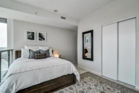150 East Liberty Street Suite 1013 Liberty Village Toronto - Master bedroom