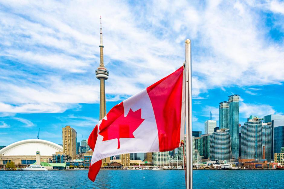 Canada Day Toronto skyline, Canada Flag